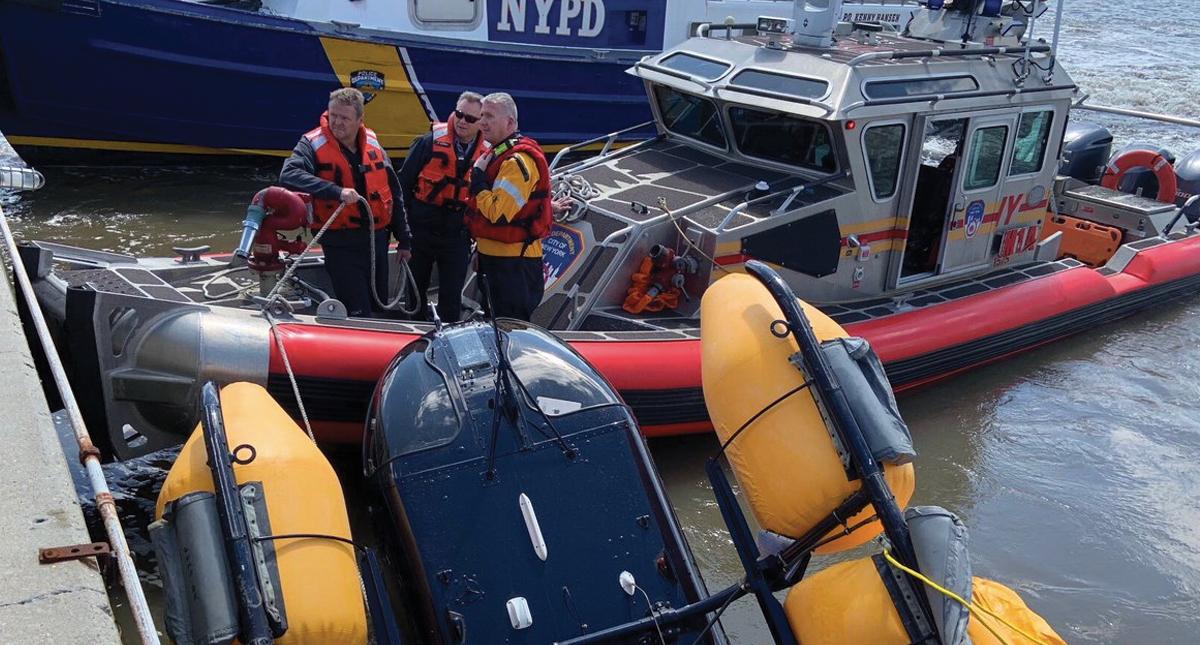 Helicóptero cae en el río Hudson — Nueva York