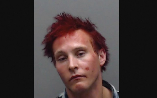 Detienen a fugitivo después de que reveló su ubicación en Facebook - hombre detenido en canadá