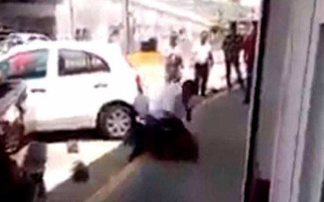 #Video Hombre agrede a sujeto que pateó a perro callejero en Morelia - hombre maltrato perro