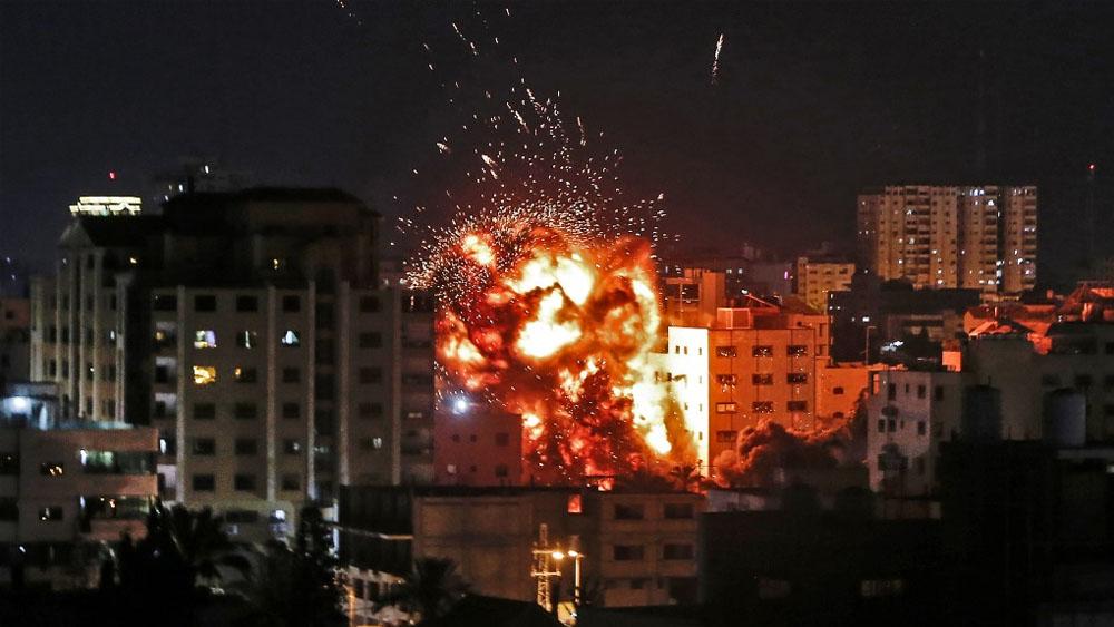 Mueren tres palestinos en respuesta de Israel a ataques desde Gaza - Israel ataques con cohetes Gaza
