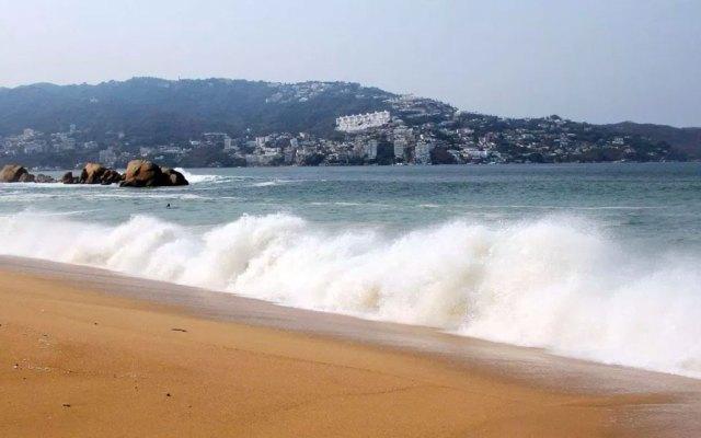 Restringen actividades en playas y muelles de Acapulco por mar de fondo - mar de fondo