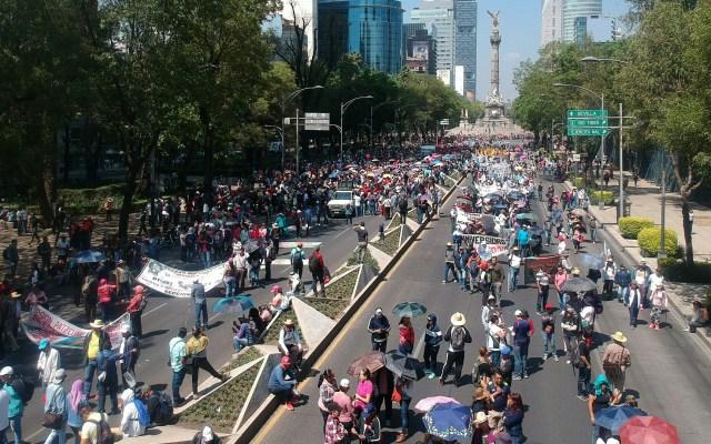 CNTE y AMLO se reúnen por tema de maestros cesados - Marcha de la CNTE sobre Paseo de la Reforma el 1 de mayo. Foto de Notimex