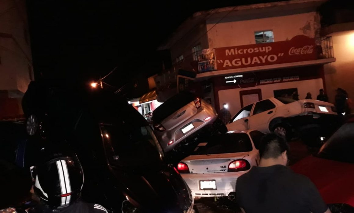 Así los coches en Matehuala. Foto de sanluispotosi.quadratin.com.mx