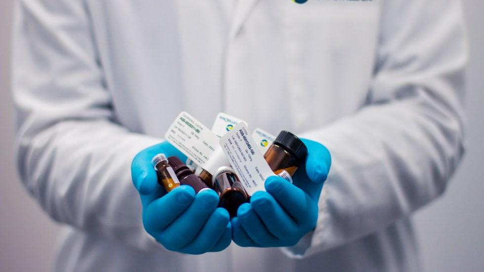 Simulación entre empresas de medicamentos ocasionó daño al gobierno por 177 mdp: Cofece - Medicamentos. Foto de Kendal James / Unsplash