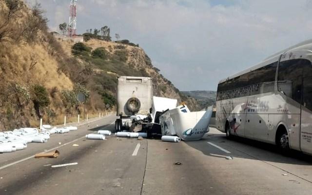 Fuerte accidente en la autopista México-Querétaro - accidente