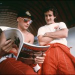 Muere el expiloto de Fórmula 1 Niki Lauda - (FILES) In this file photo taken on March 25, 1984, French Formula One driver Alain Prost (R) and his McLaren teammate, Austrian Formula One driver Niki Lauda are pictured during a break of their training session for the Brazilian Formula One Grand Prix in Rio de Janeiro, Brazil. - Legendary Formula One driver Niki Lauda has died at the age of 70, his family said in a statement released to Austrian media early Tuesday, May 21, 2019. (Photo by STR / LEHTIKUVA / AFP)