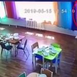 #Video Niña cae del segundo piso de una guardería y sobrevive - Captura de pantalla
