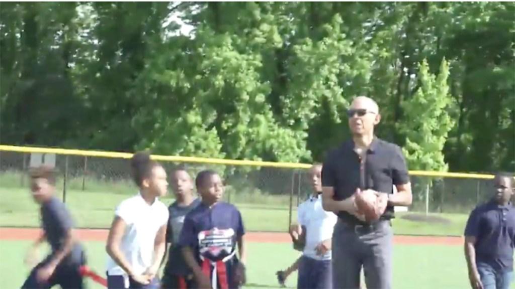 #Video Obama juega beisbol con niños en Washington DC. Noticias en tiempo real