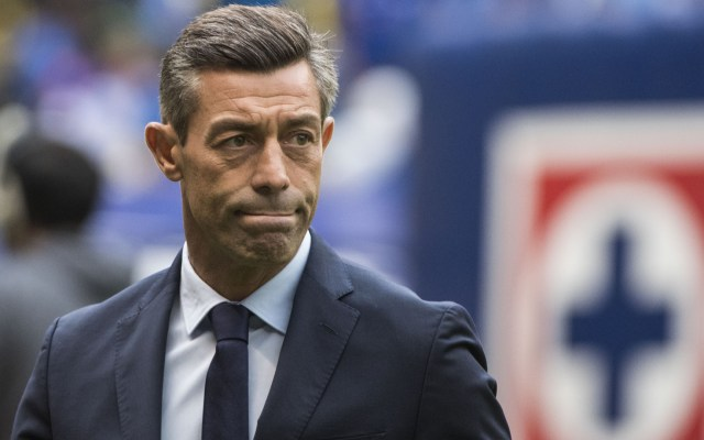 Peláez descarta salida de Caixinha de Cruz Azul - Peláez confirma continuidad de Caixinha en Cruz Azul