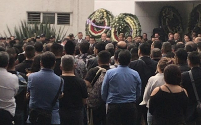 Rinden homenaje póstumo a policía de investigación caído - Foto de @arturosierra1
