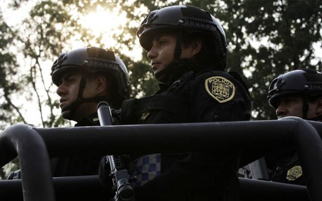 Detienen a youtuber en Reforma por conducir moto con alteraciones - Policías SSC Secretaría de Seguridad Ciudadana Ciudad de México