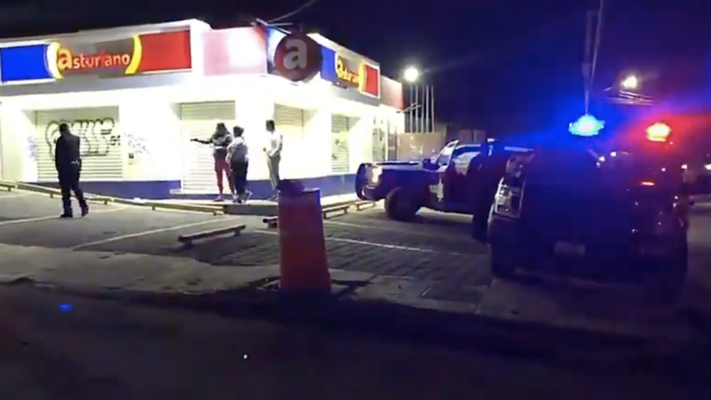 Cesan a elemento de la Policía Municipal en Querétaro por participar en robo - Foto de @waldomaya
