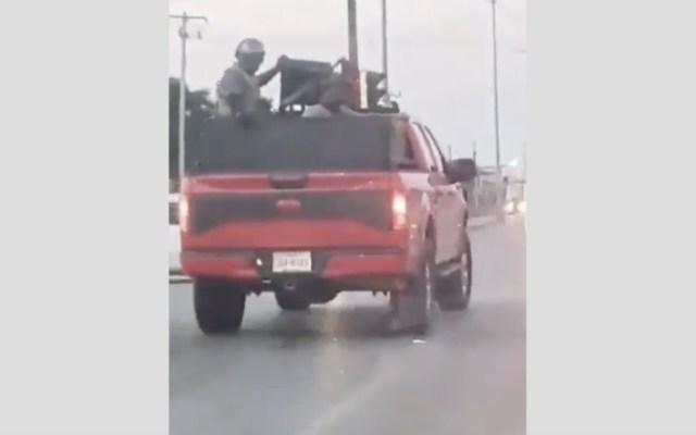 #Video Sujetos armados transitan sin problemas en calles de Tamaulipas - Foto de captura de pantalla