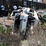 #Video Tren arrastra camioneta en Huehuetoca y deja un muerto