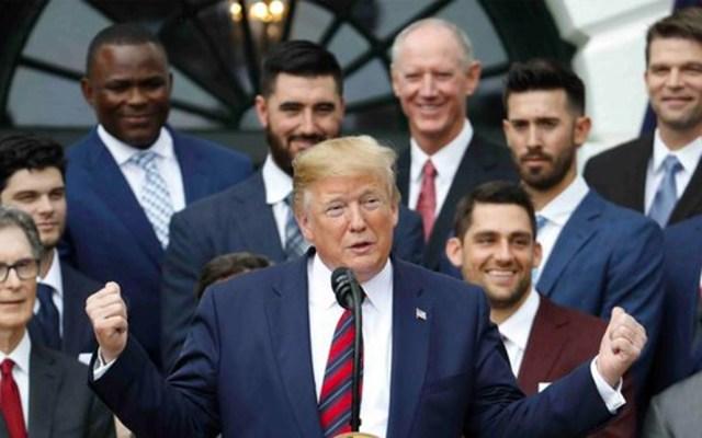 Trump recibe a los Medias Rojas, varios jugadores no asisten en protesta - medias rojas Trump