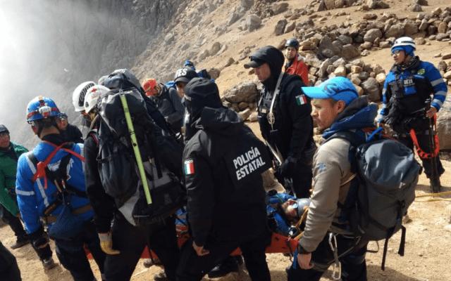 Rescatan a hombre que cayó en zona Izta-Popo - Foto de @SS_Edomex