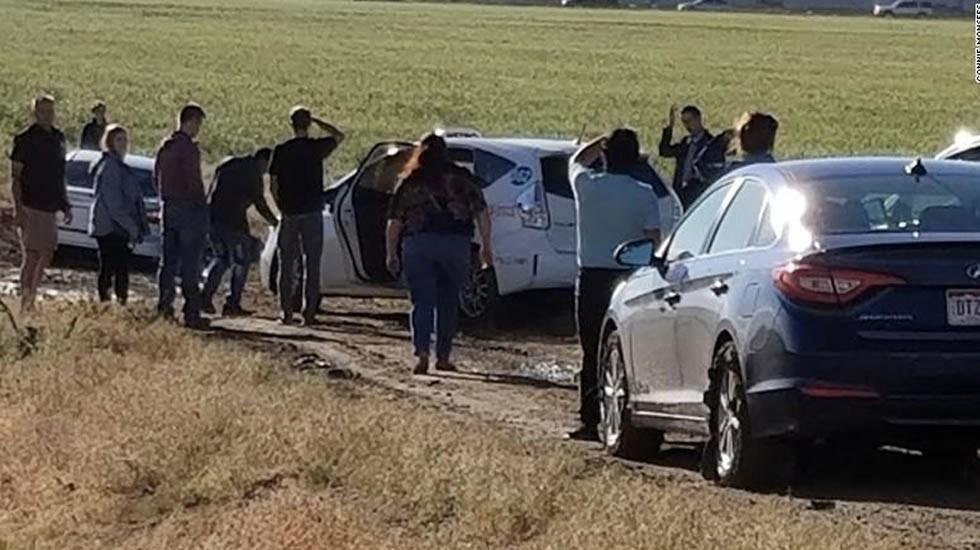 Conductores siguen desvío en Google Maps y terminan atascados en lodo - Camino Colorado automovilistas