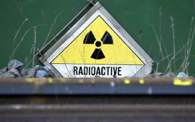 Nueva forma de Uranio afecta planes de eliminación de desechos radioactivos - Cartel de radiactividad en Tomioka. Foto de EFE / Christophe Karaba