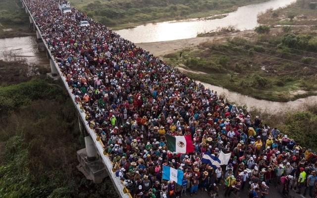 López Obrador confirma despliegue de Guardia Nacional en frontera sur - Centroamericanos cruzando a México por la frontera sur. Foto de AFP