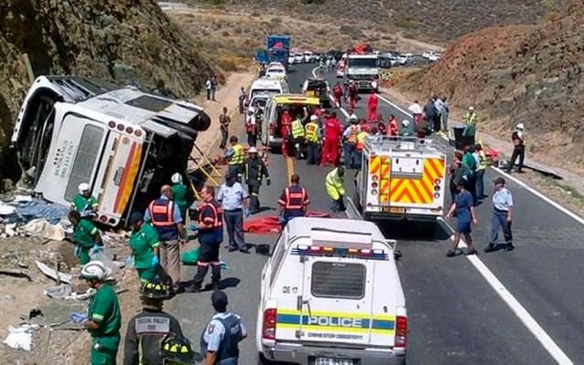 Choque de autobuses deja al menos 24 muertos en Sudáfrica - choque Sudáfrica
