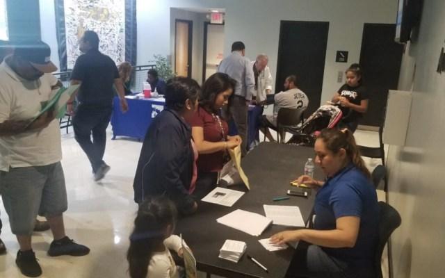 Red consular atiende a cinco mil 940 migrantes mexicanos en EE.UU. - Foto de @ConsulmexINI