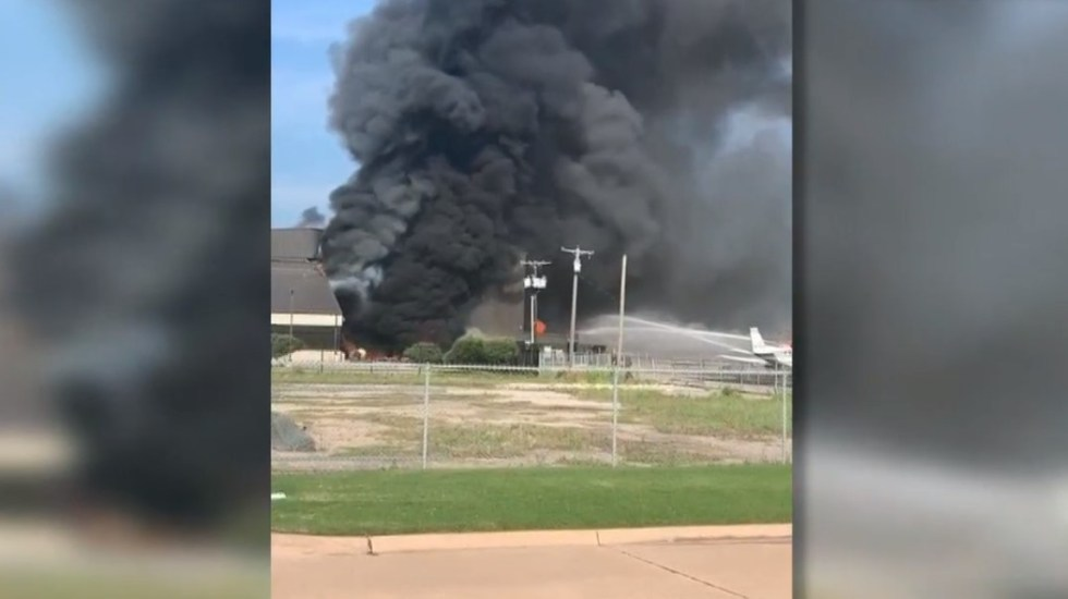 Accidente aéreo en Texas deja 10 muertos - Incendio Dallas accidente avión