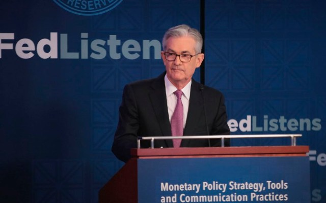 Fed vigila guerra comercial de Trump - jerome powell fed