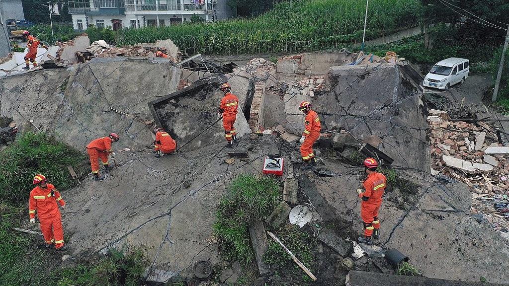 Aumenta a 13 cifra de víctimas por sismo en China. Noticias en tiempo real