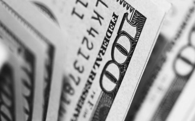 Política migratoria en EE.UU. no afecta envío de remesas - Lavado de dólares. Foto de Pepi Stojanovski / Unsplash