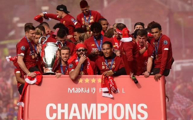 Liverpool festeja en Inglaterra con el trofeo de la Champions - liverpool champions league