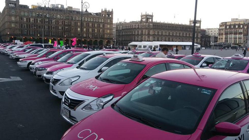 CDMX llama a taxistas a cambiar bloqueos por diálogo - Manifestación de taxistas en la CDMX. Foto de Milenio