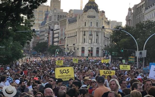 Miles se manifiestan en Madrid en defensa de plan contra contaminación - manifestación madrid contaminación (1)