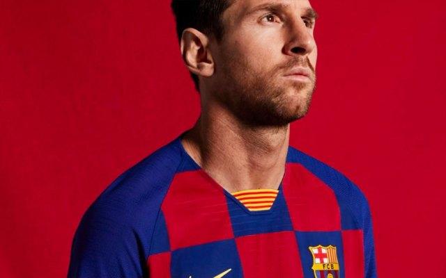 Barcelona presenta su nueva camiseta a cuadros - FC Barcelona