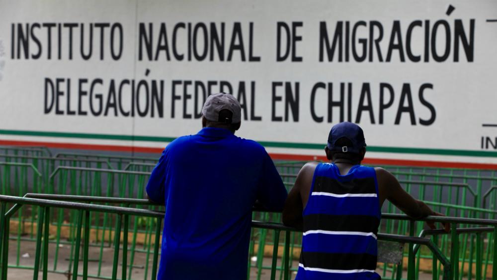 Intentan 50 migrantes nueva fuga en Chiapas. Noticias en tiempo real