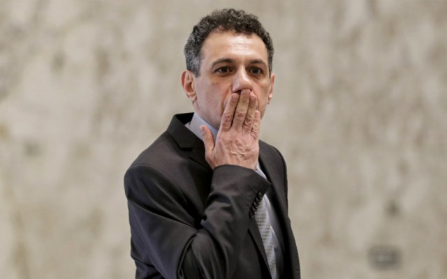 Irán libera a libanés acusado de espionaje a favor de EE.UU. - Nizar Zakka. Foto de AFP