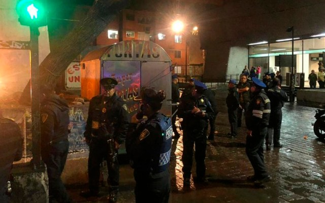 Balean a policía tras frustrar robo en el Metro Morelos - policía metro morelos