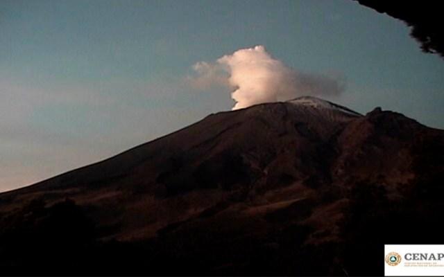 Popocatépetl amanece con columna de vapor de agua y gases - popocatépetl columna vapor de agua