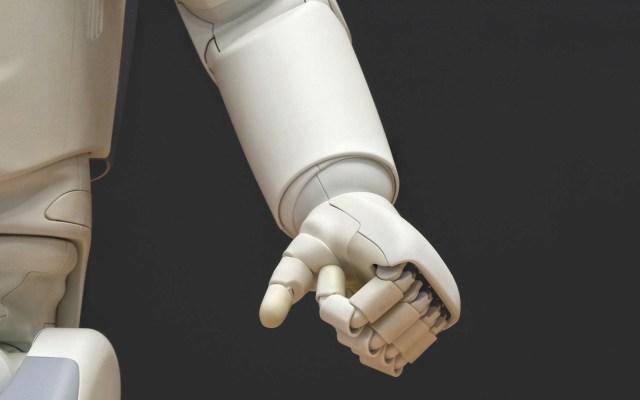 Robots ocuparán 20 millones de empleos industriales en 2030 - Foto de Franck V. para Unsplash