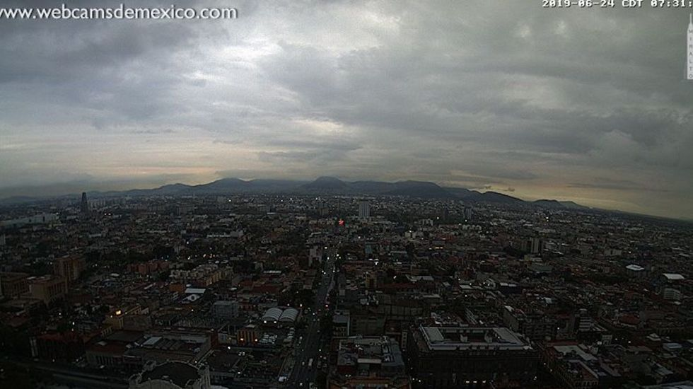 Llueve en seis alcaldías de la Ciudad de México - Foto de webcamsdemexico.com