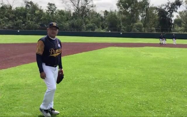 López Obrador practica beisbol en Ciudad Universitaria - AMLO Andrés Manuel López Obrador beisbol CU