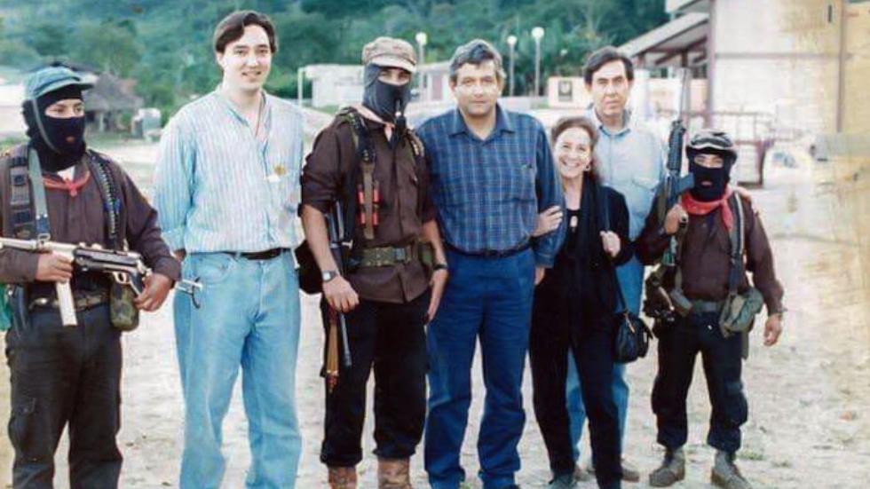 López Obrador comparte foto de 1994 con el EZLN - AMLO Andrés Manuel López Obrador EZLN