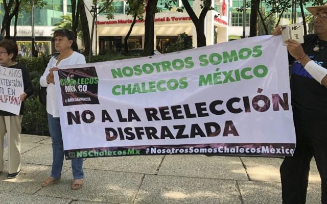 Se manifiestan en el Ángel contra extensión de mandato en BC - Foto de Notimex