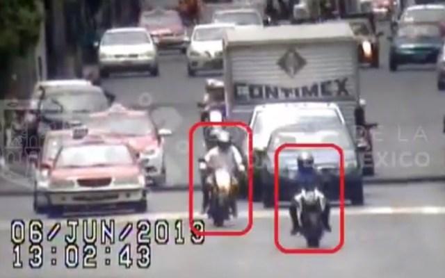 #Video Así detuvieron a tres asaltantes en moto en la CDMX - Asaltantes en moto en Iztacalco. Captura de pantalla