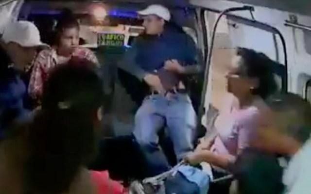 #Video Forcejean con conductor en asalto a combi en el Estado de México - asalto