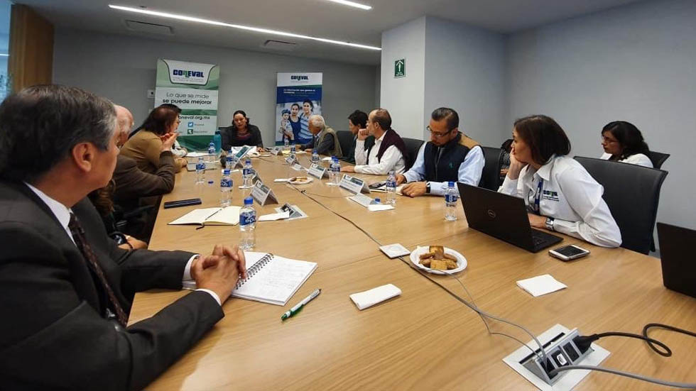 Titular de Bienestar pide evaluar programas sociales - Bienestar María Luisa Albores