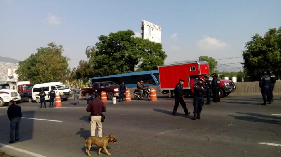 Policías federales bloquean otra vez la México-Pachuca - Bloqueo sobre la México-Pachuca. Foto de @ELDEBATE