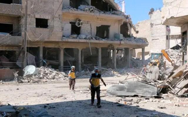 Bombardeos rusos dejan al menos 43 muertos en mercado de Siria - bombardeo siria