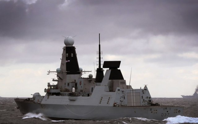 Reino Unido enviará buque de guerre al Golfo Pérsico - Foto de Radio Farda