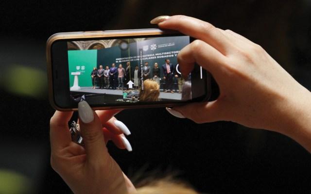 Iniciará operativo para combatir robo y venta de celulares en el mercado negro - Foto de Notimex