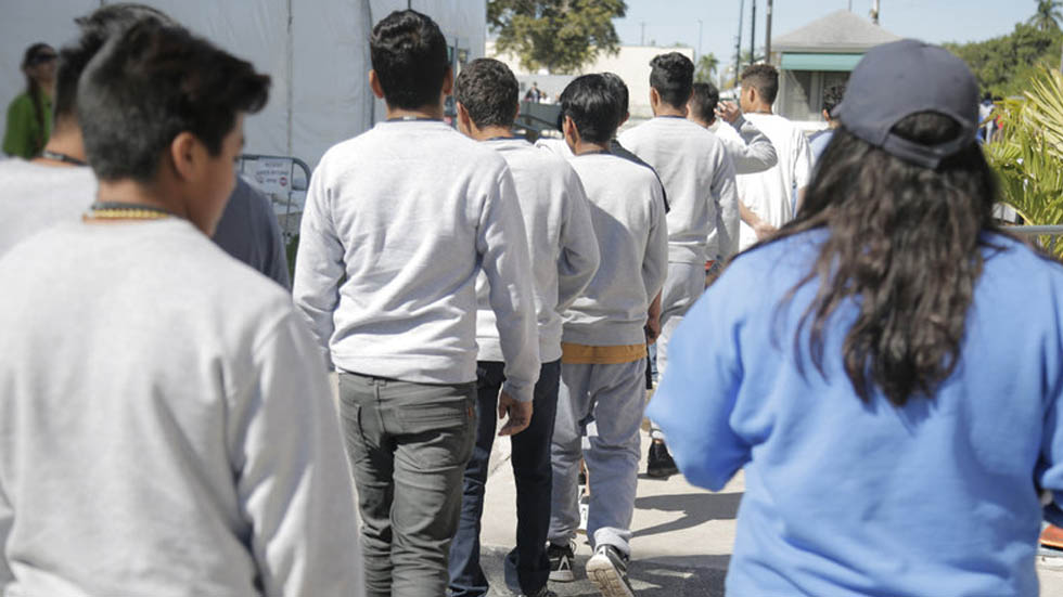 Centro para menores migrantes no acompañados en EE.UU. queda vacío - Centro detención menores migrantes Homestead Florida